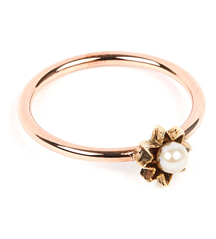 ANNINA VOGEL 9 carat gold and pearl star ring