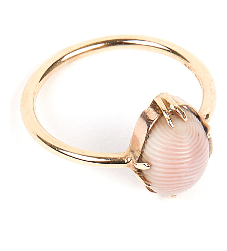 ANNINA VOGEL 9 carat gold and conch shell ring