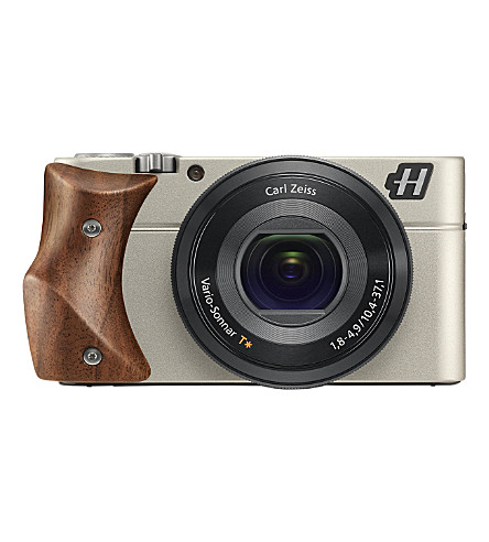 HASSELBLAD Stellar Walnut compact camera
