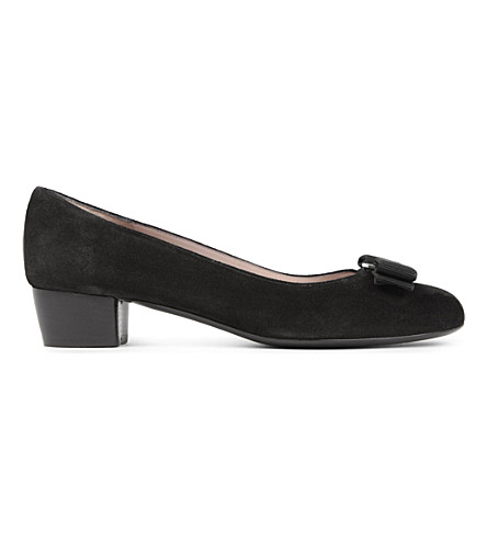SALVATORE FERRAGAMO Vara suede courts (Black