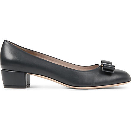 FERRAGAMO Vara leather court shoes (Navy