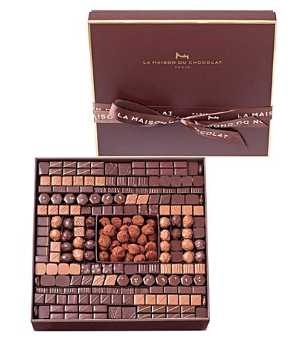 LA MAISON DU CHOCOLAT Boite Maison 221-piece chocolate and truffle selection