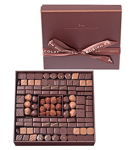 LA MAISON DU CHOCOLAT Boite Maison 125-piece chocolate and truffle selection