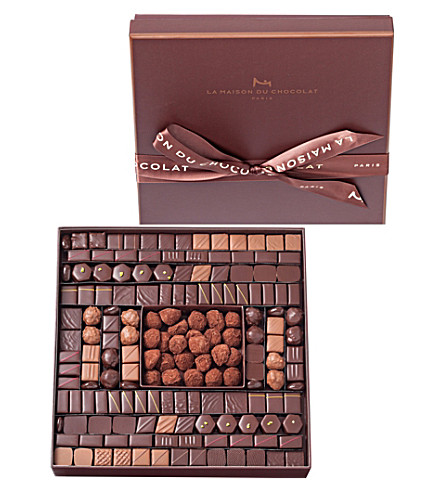 LA MAISON DU CHOCOLAT Boite Maison 165-piece chocolate and truffle selection