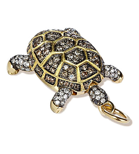 ANNOUSHKA Mythology 18ct yellow-gold and diamond baby turtle amulet