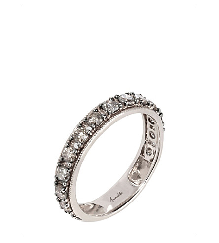 ANNOUSHKA尘土飞扬的钻石18ct 白色黄金和钻石 Eternity 戒指