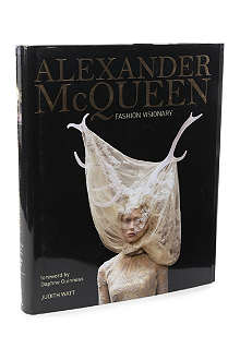 BOOKSHOP Alexander McQueen: Fashion Visionary by Judith Watt