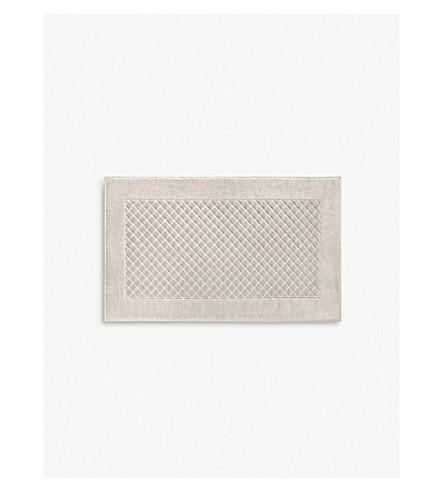 YVES DELORME Etoile square bath mat (Pierre