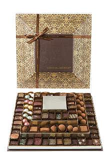 ARTISAN DU CHOCOLAT Pyramide de Chocolats 800g