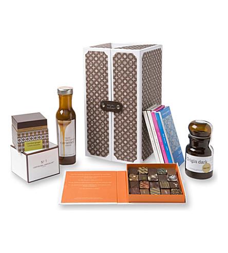 ARTISAN DU CHOCOLAT Eulogy Monogram chocolate hamper 1045g