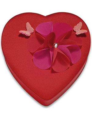 GODIVA Satin small heart box of chocolates