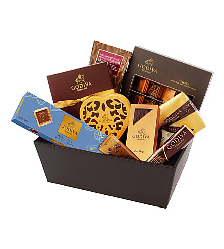 GODIVA Luxurious Hamper chocolate selection