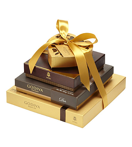 GODIVA Gold Ballotin 34-piece assorted chocolates box 385g