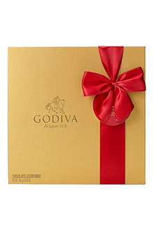 GODIVA Signature 24-piece chocolate gift box