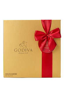 GODIVA Signature 34-piece chocolate gift box