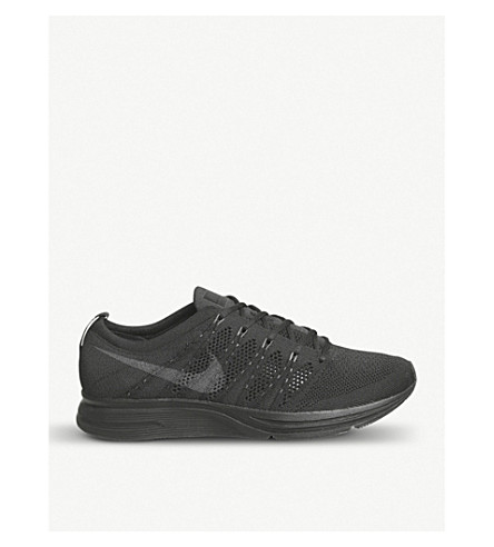 NIKE Flyknit trainers (Black+anthracite