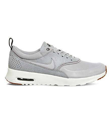 NIKE Air Max Thea trainers (Wolf+grey+sail+gum