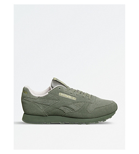 REEBOK 经典绒面革运动鞋 (猎人 + 绿色 + 粉红色)