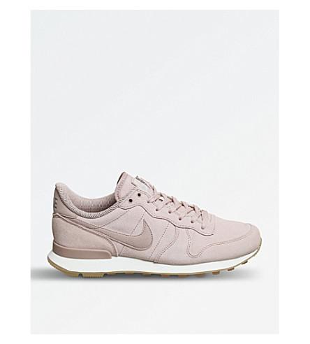 NIKE 国际主义绒面革运动鞋 (粒子 + 粉红色