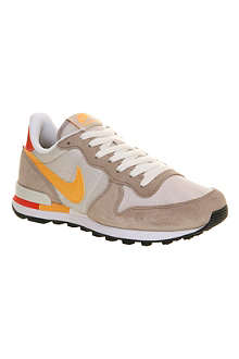 NIKE Internationalist trainers