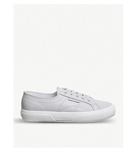 2750 canvas trainers