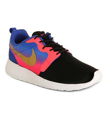 NIKE Roshe Run Hyp trainers (Hyper punch
