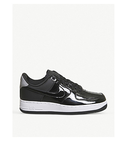 NIKE Air Force 1 07 patent leather trainers (Black+reflective