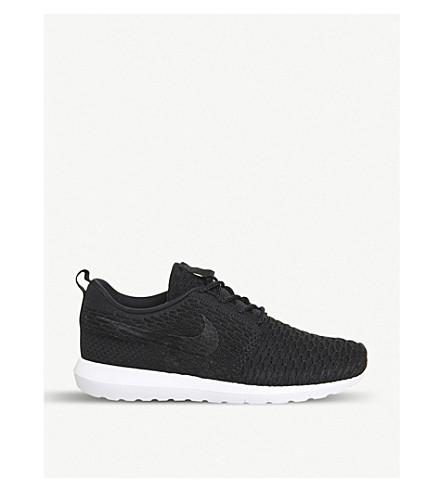 NIKE Roshe Run flyknit trainers (Black black white