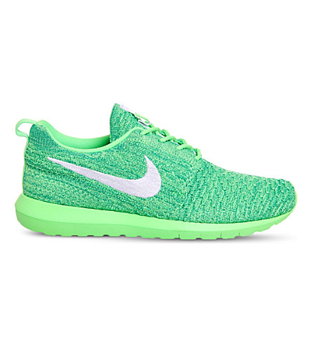 NIKE Roshe Run Flyknit trainers (Voltage green white