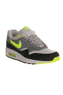 NIKE Air Max 1 trainers