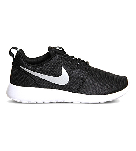 NIKE Roshe Run trainers (Black+metallic+white