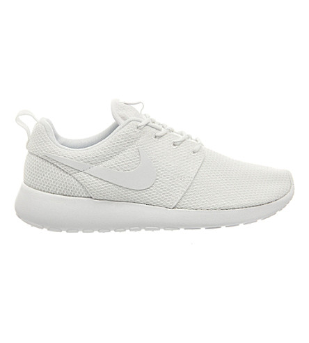 NIKE Roshe run mesh trainers (White+white