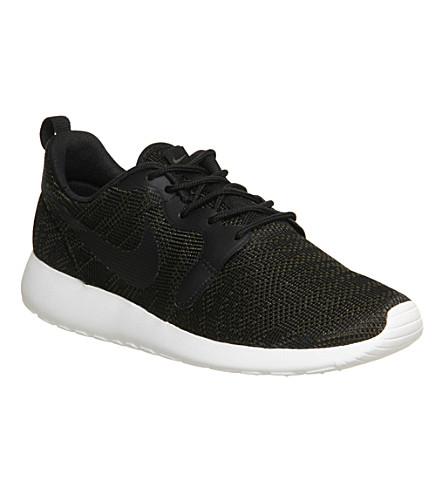 NIKE Roshe run trainers (Olive black jacquard