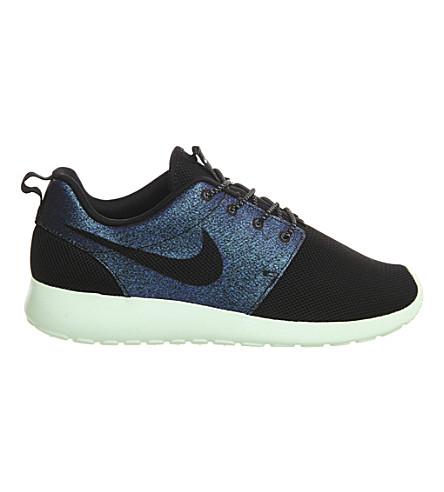 NIKE Roshe Run mesh trainers (Teal black green