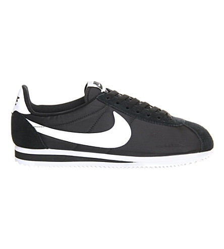 NIKE 尼龙运动鞋 (黑 + 白