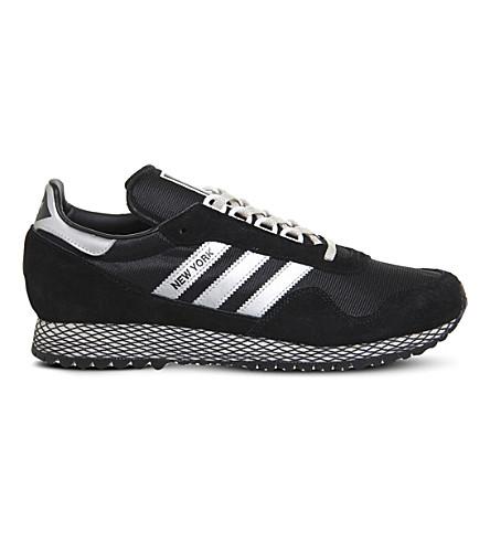 ADIDAS 纽约网和砂运动鞋 (黑 + 银 + 白