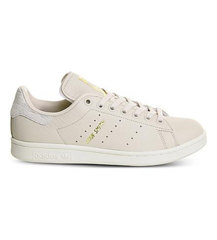 ADIDAS Stan Smith 皮革运动鞋 (亚麻 + 关闭 + 白色