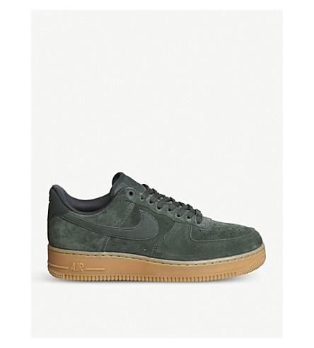 NIKE 空军1低帮绒面革运动鞋 (户外 + 绿色 + 麂皮绒