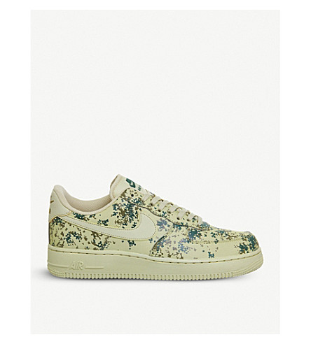 NIKE Air Force 1 camo-print leather trainers (Team+gold+beige+camo