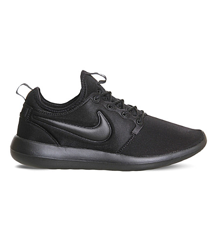 NIKE Roshe Two mesh trainers (Black+black+black