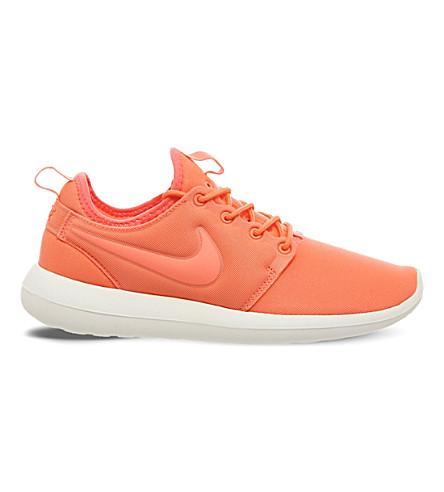 NIKE Roshe Two mesh trainers (Atomic pink orange