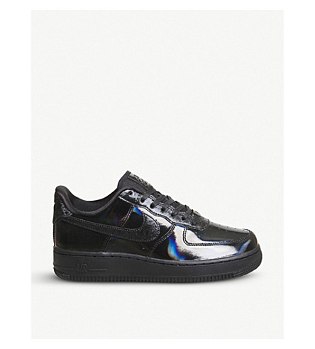 NIKE Air Force 1 07 low-top iridescent trainers (Black+summit+white
