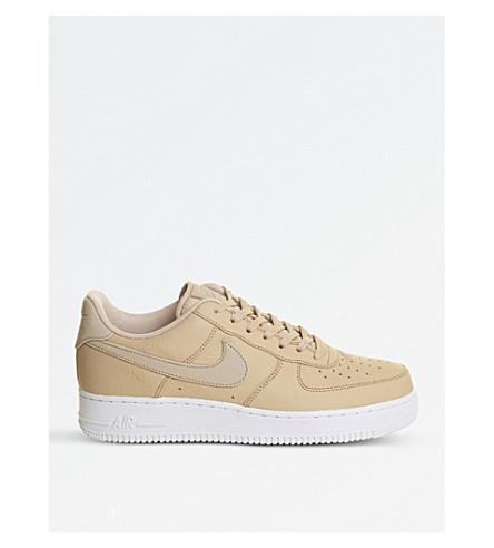 NIKE 空军1 07 皮革运动鞋 (Vachetta + 棕褐色 + 白色)