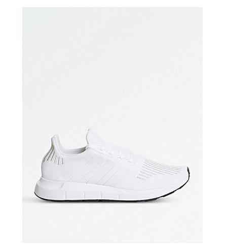 ADIDAS 雨燕运行针织运动鞋 (白色 + 单声道