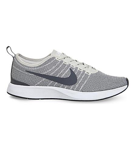 NIKE Dualtone 赛车网运动鞋 (轻 + 骨 + 白色