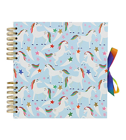 PAPERCHASE Us med rainbow scrapbook
