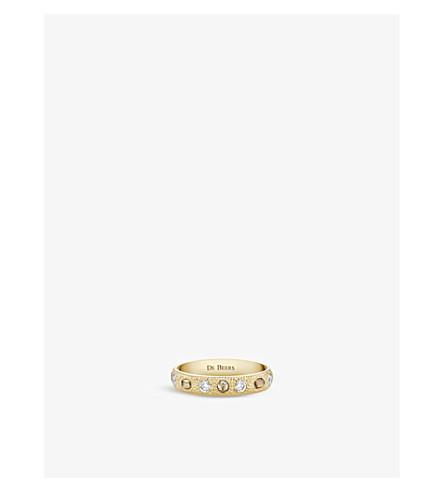 DE BEERS 护身符18ct 黄金和钻石半铺带环