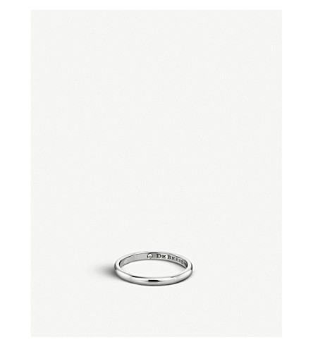 DE BEERS Classic platinum and diamond wedding band