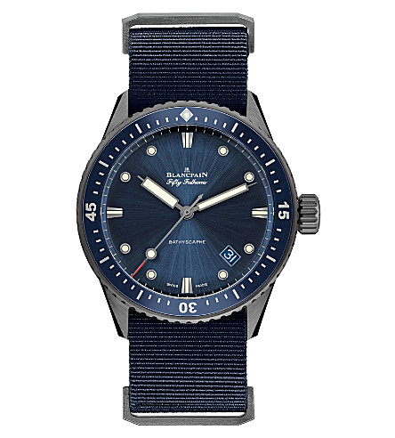 宝珀 5000-0240年-O52A 手工陶瓷织物表带的手表