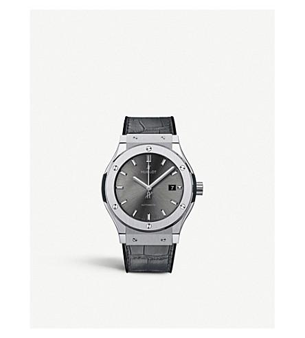 HUBLOT 542. 7071. LR 经典融合赛车灰钛手表